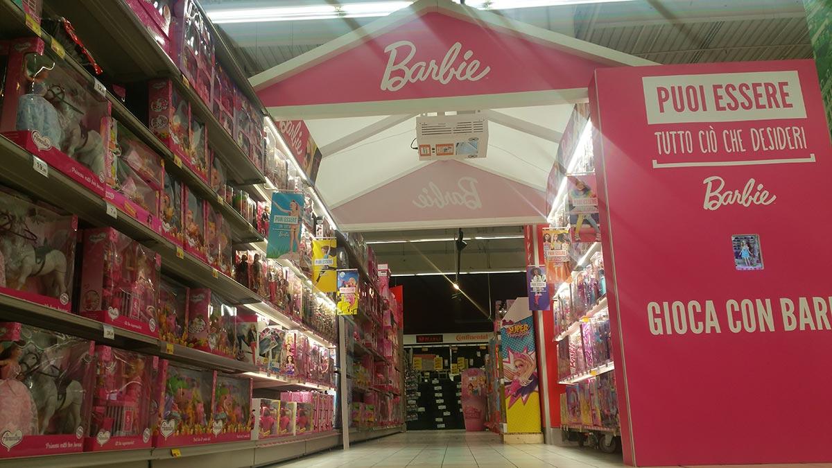 allestimento-pop-up-store-barbie-carrefour-milano-natale-eventi-noleggio-corner