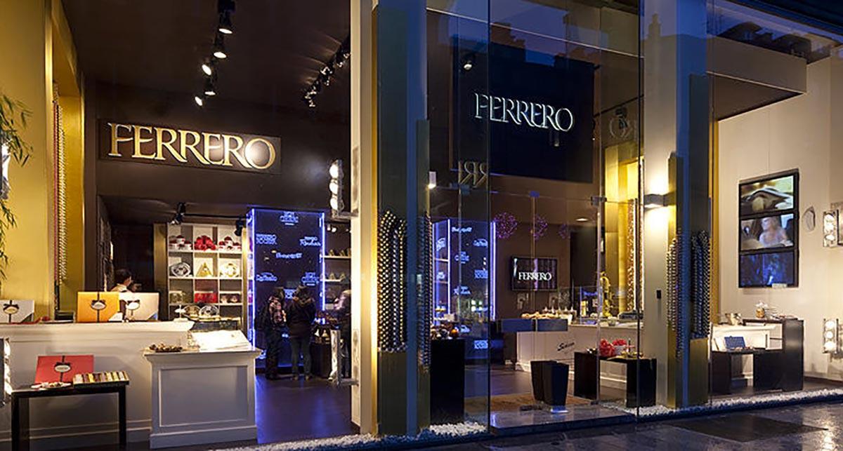 temporary-store-milano-corso-garibadi-ferrero-boutique-maitre-choccolatier-organizzazione-eventi-pop-up-noleggio