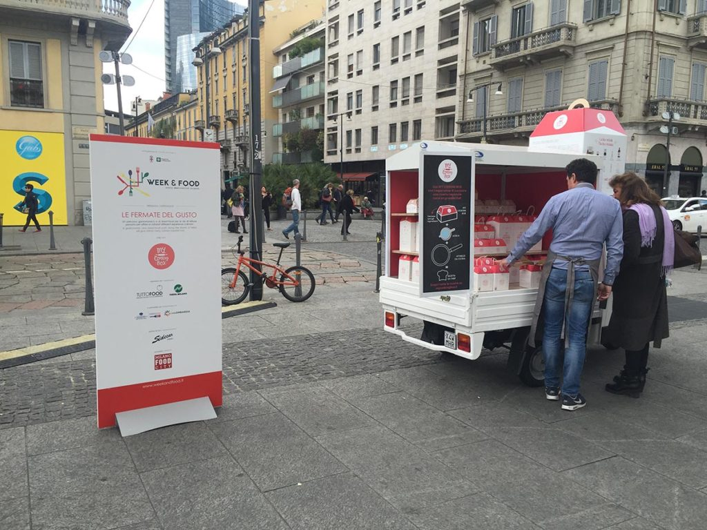 tutto-food-milano-street-food-evento-container-pop-up-mycookingbox-milano-piazza-xxv-aprile-fiera-regione-lombardia-eventi.jpg