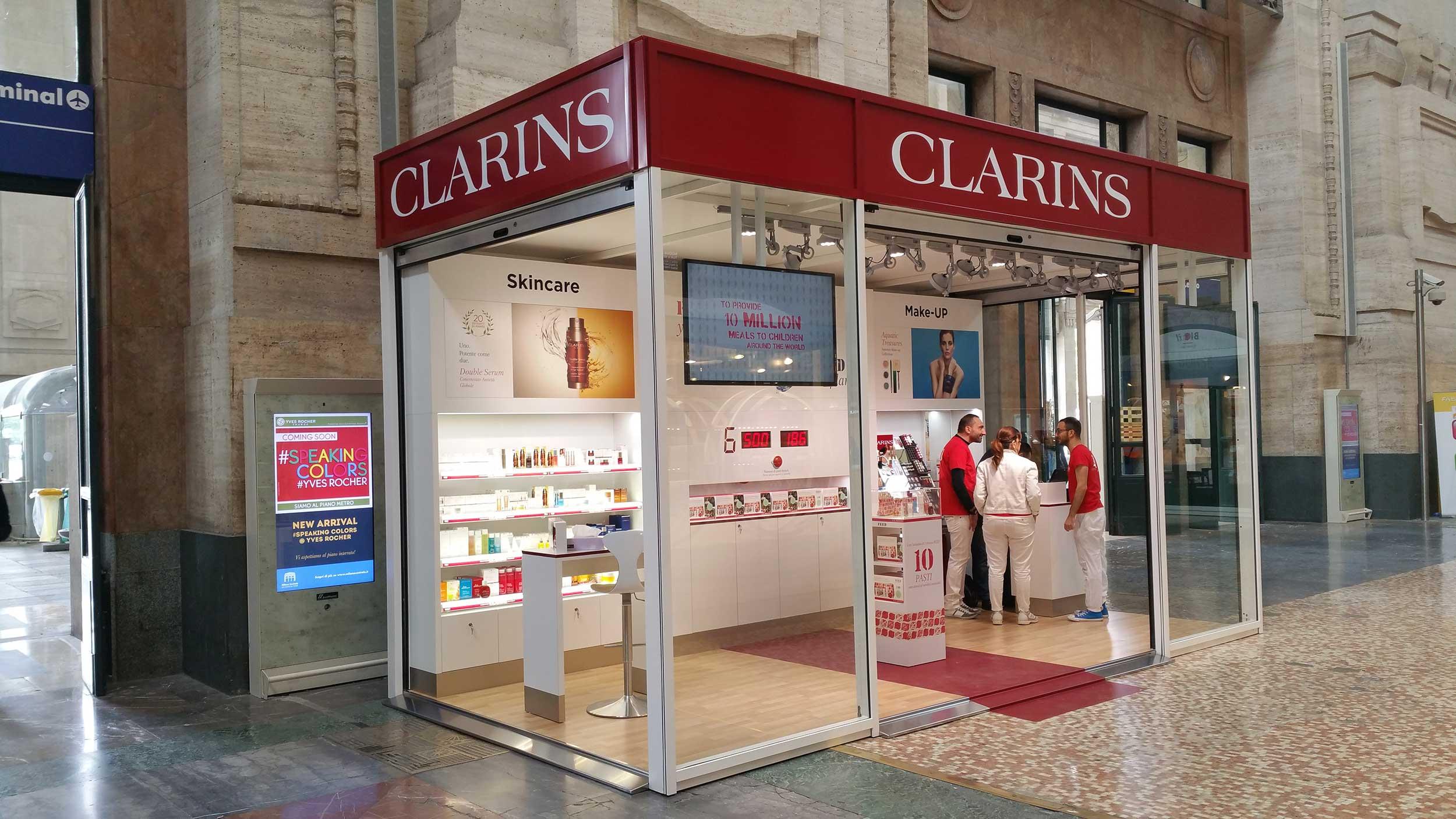 container-temporary-store-clarins-stazione-centrale-milano-promozione-eventi-noleggio