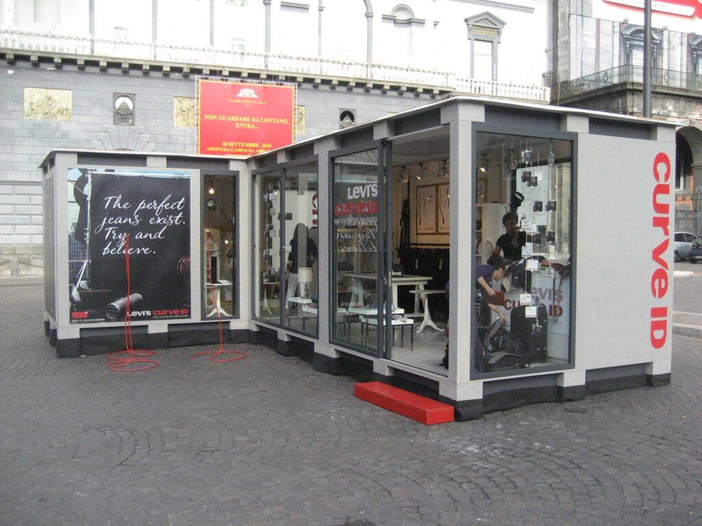container-temporary-store-levi's-tour-torino-milano-bari-napoli-promozione-eventi-noleggio